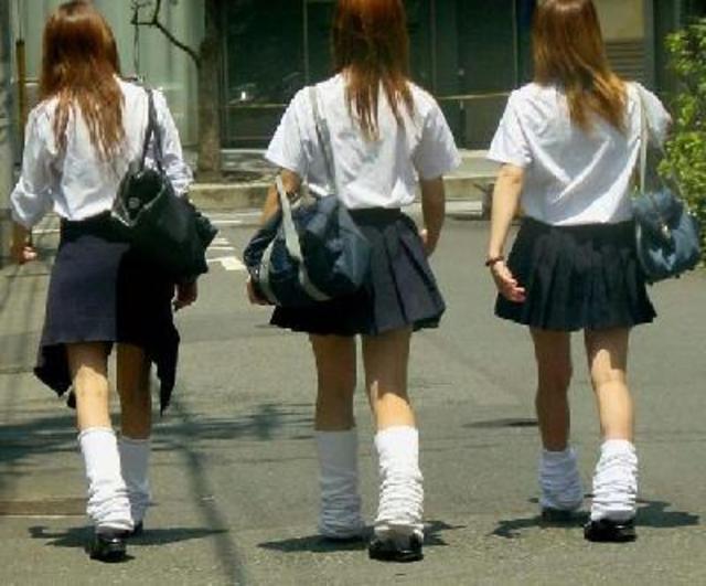 イマドキJK(女子高校生)に昔のJK(女子高校生)を辛口で評論してもらった。~流行りの〇〇編~